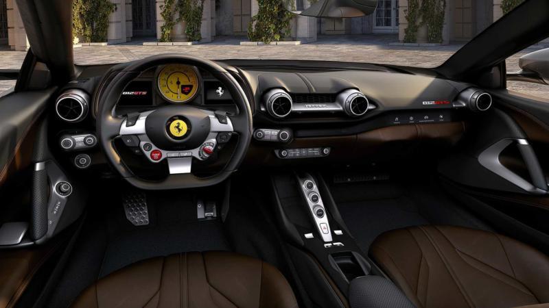 Интерьер Ferrari 812 GTS