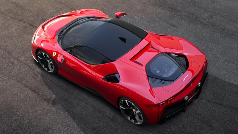 Вид сверху Ferrari SF90 Stradale
