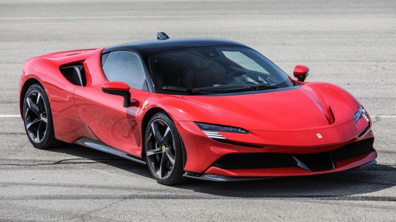 Фото Ferrari SF90 Stradale