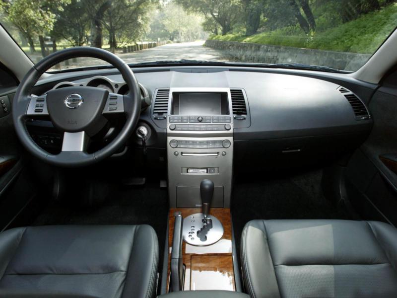 Интерьер Nissan Maxima A34