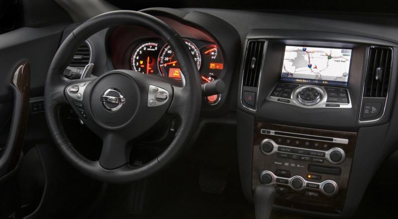 Салон Nissan Maxima A35