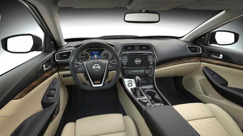 Интерьер Nissan Maxima