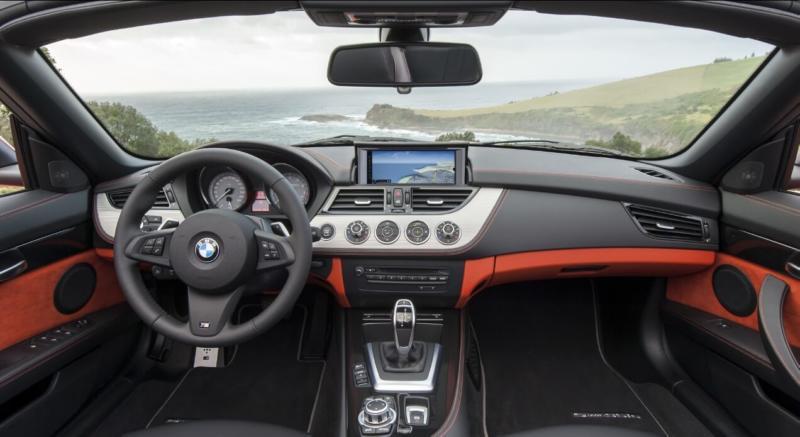 Интерьер BMW Z4 2013 года