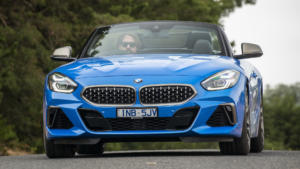 Вид спереди BMW Z4