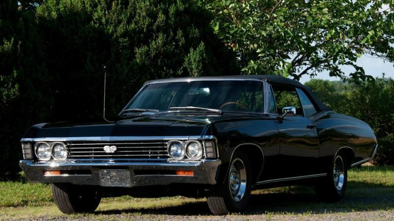 Вид спереди Chevrolet Impala 1967
