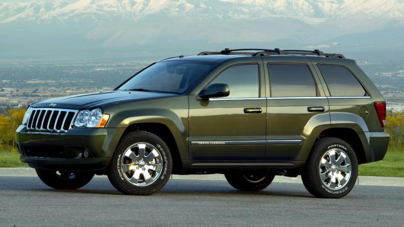Вид сбоку Jeep Grand Cherokee (WK)