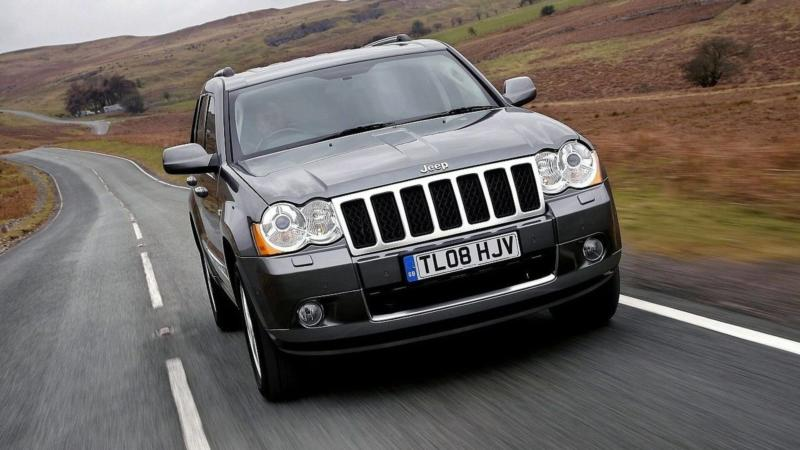 Jeep Grand Cherokee (WK) вид спереди