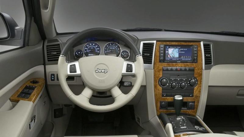 Интерьер Jeep Grand Cherokee (WK)