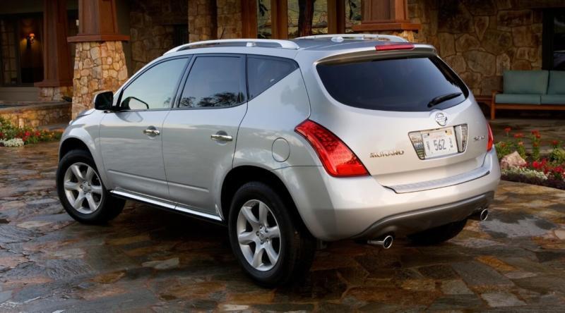 Nissan Murano вид сзади
