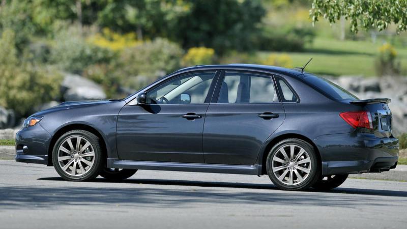 Вид сбоку Subaru Impreza WRX 3