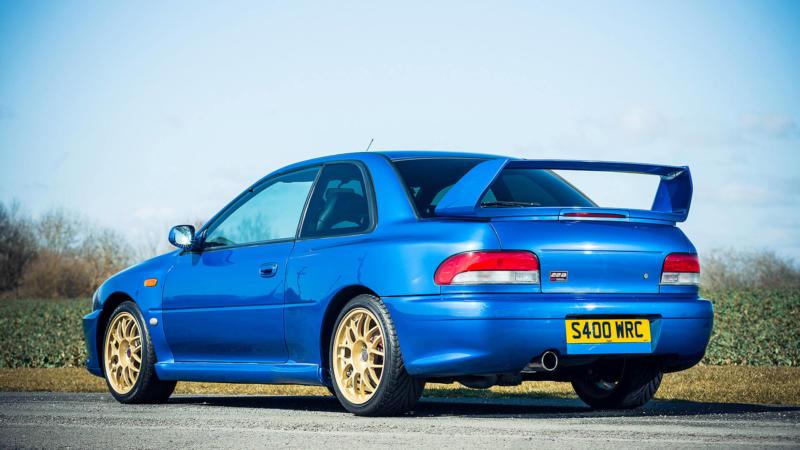 Subaru Impreza WRX вид сзади