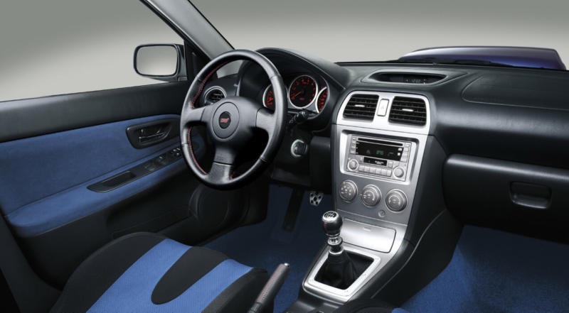 Салон Subaru Impreza WRX 2
