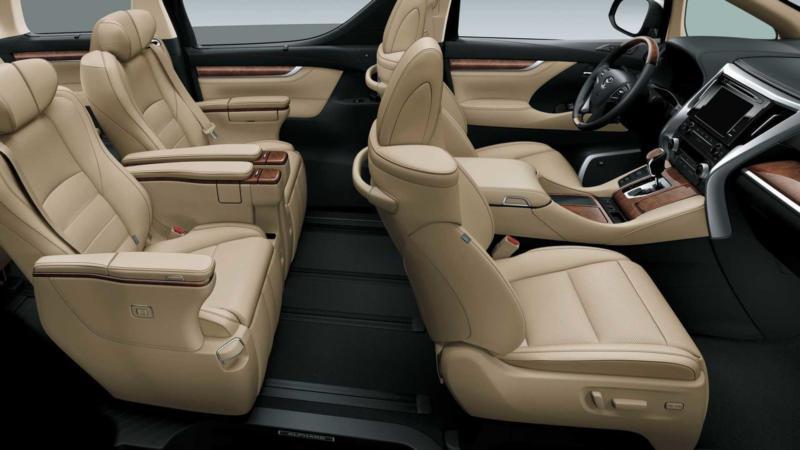 Салон Toyota Alphard