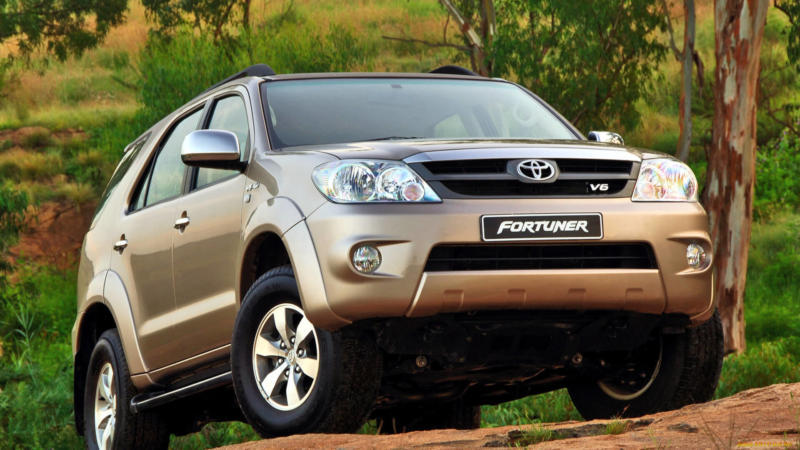 Toyota Fortuner 2005