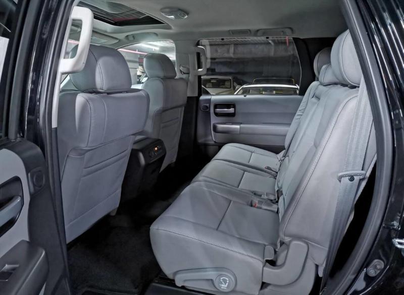 Задний диван Toyota Sequoia 2018