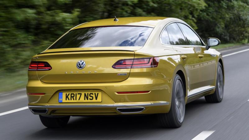 Volkswagen Arteon R-Line вид сзади