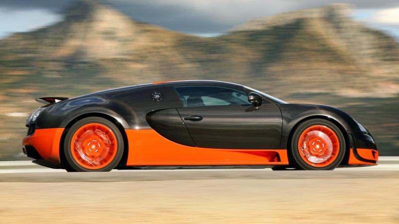 Bugatti Veyron Super Sport вид сбоку