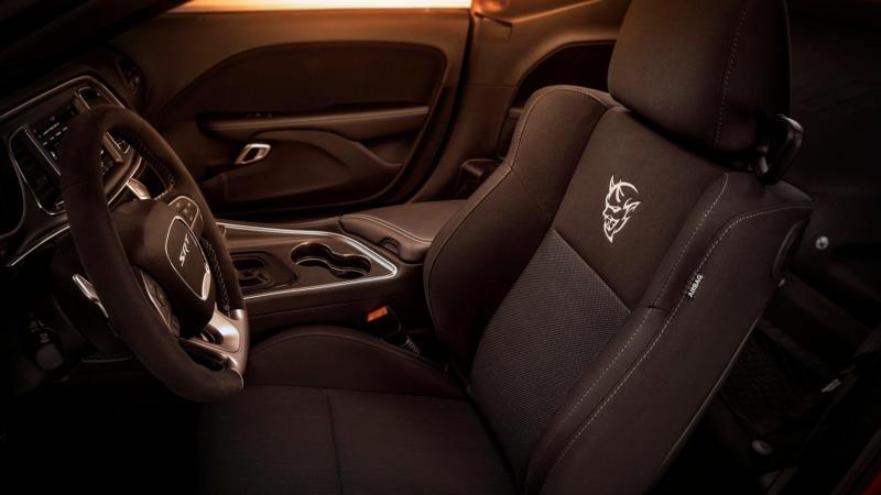 Салон Dodge Challenger SRT Demon