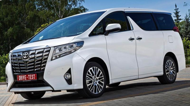 Микроавтобус Toyota Alphard