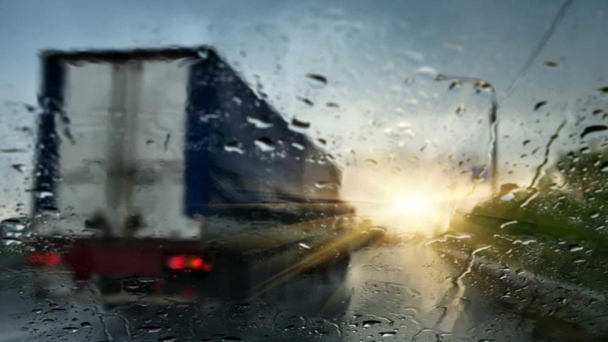 Движение в дождь