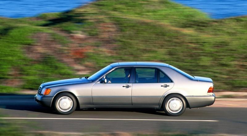Mercedes-Benz W140 вид сбоку