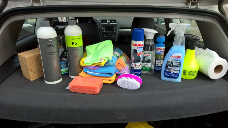 Средства для уборки салона автомобиля