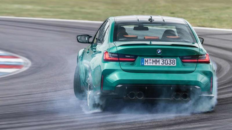 BMW M3 Competition вид сзади