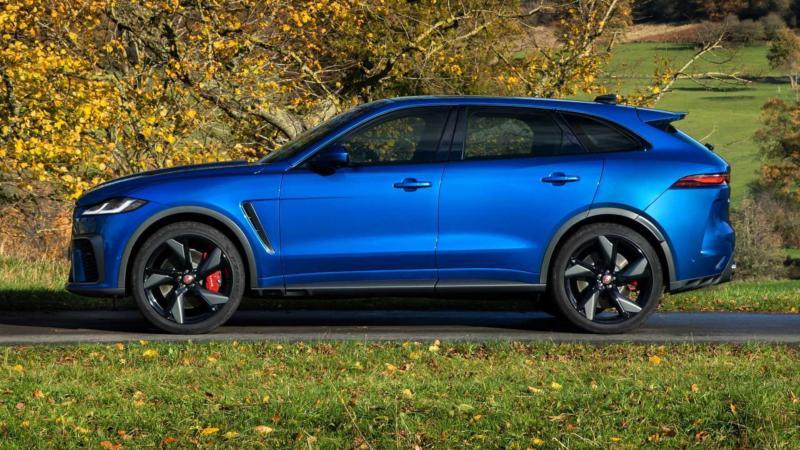 Jaguar F-Pace вид сбоку