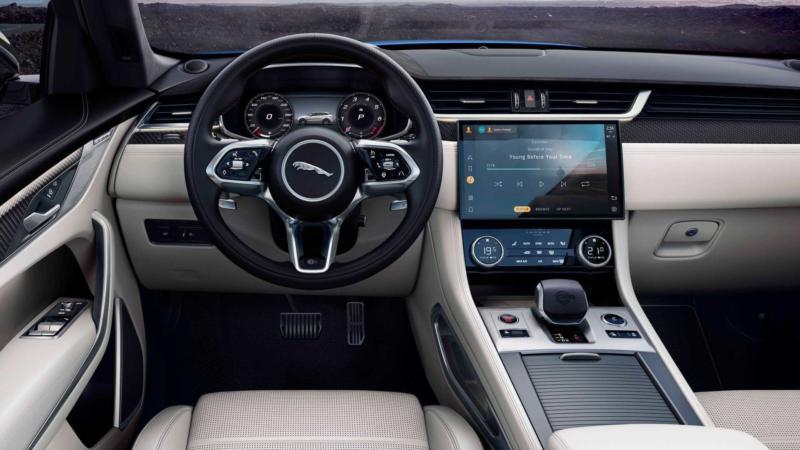 Jaguar F-Pace рулевое колесо