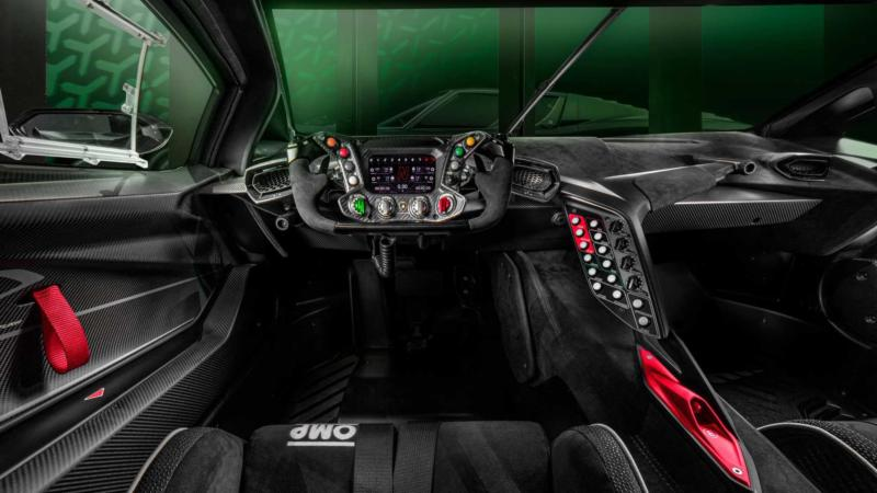 Интерьер Lamborghini Essenza SCV12