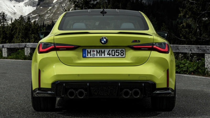BMW M4 Coupe Competition вид сзади