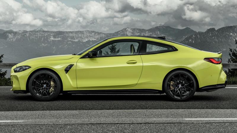 BMW M4 Coupe Competition вид сбоку
