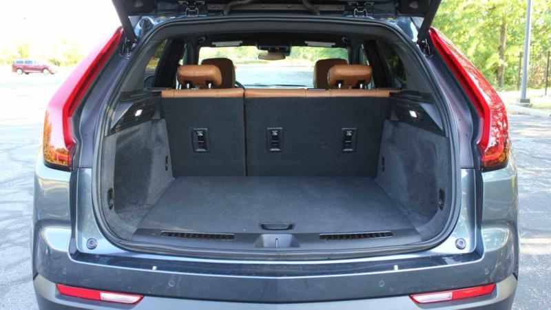 Багажник Cadillac XT4