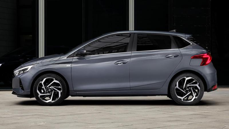 Hyundai i20 вид сбоку