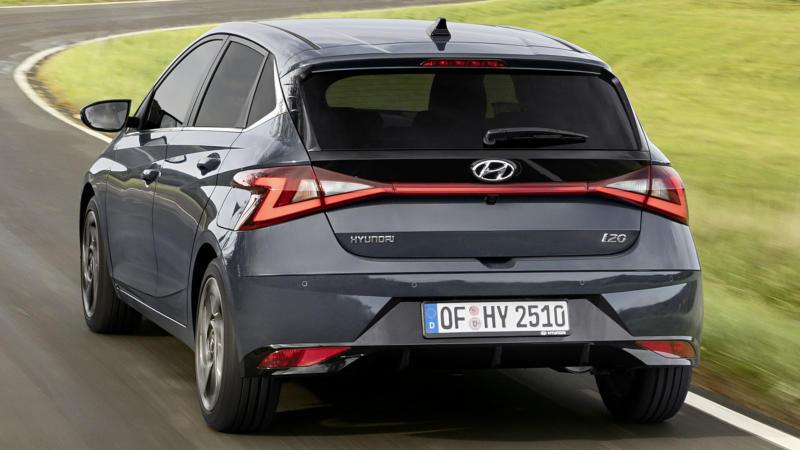 Hyundai i20 вид сзади