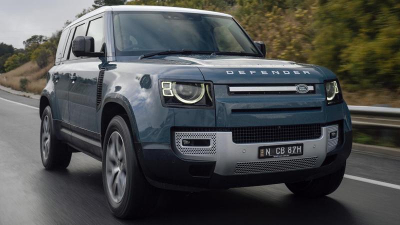 Land Rover Defender вид спереди