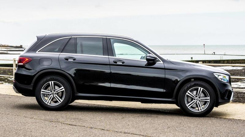 Mercedes-Benz GLC вид сбоку