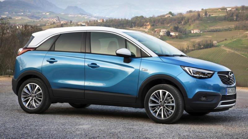 Opel Crossland X вид сбоку