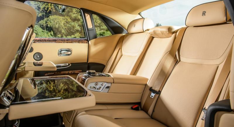 Rolls-Royce Ghost фото салона