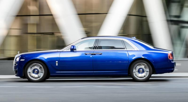 Rolls-Royce Ghost вид сбоку