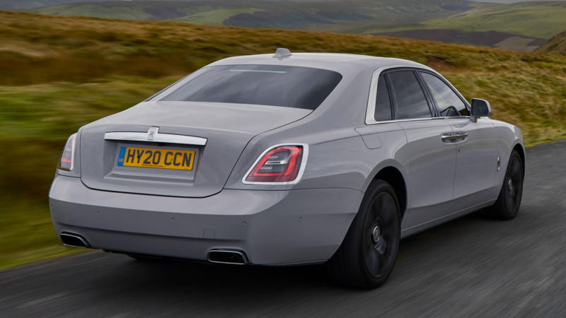 Rolls-Royce Ghost вид сзади