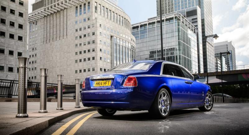 Вид сзади Rolls-Royce Ghost