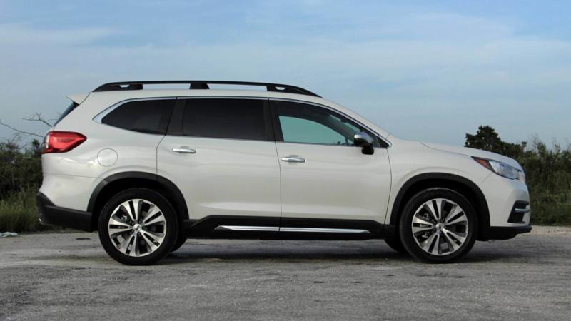 Subaru Ascent вид сбоку