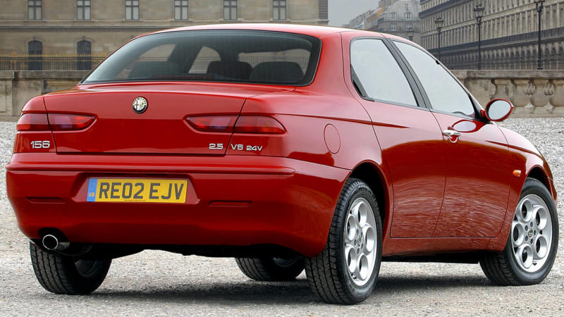 Alfa Romeo 156 вид сзади