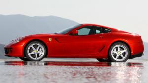 Ferrari 599 вид сбоку