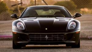 Вид спереди Ferrari 599