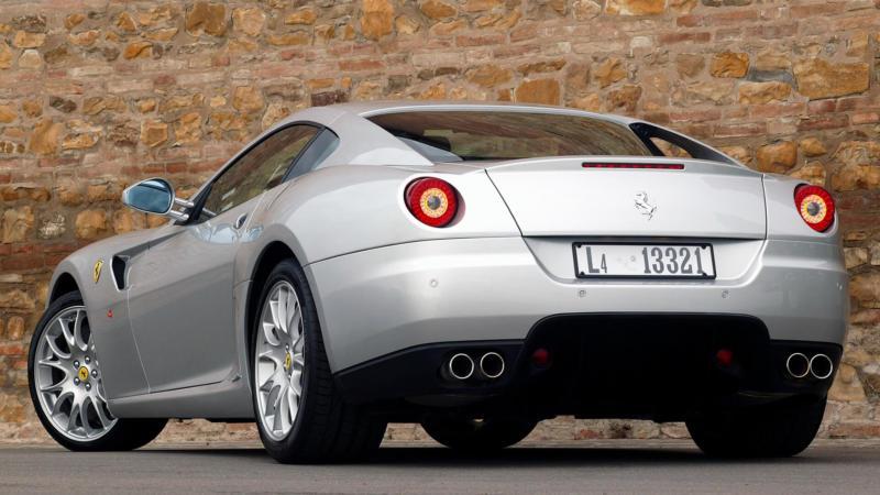 Ferrari 599 GTB Fiorano вид сзади