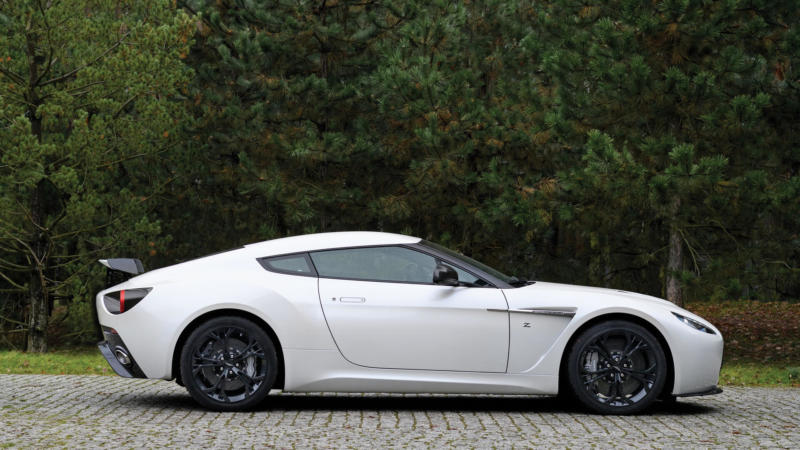 Aston Martin V12 Zagato вид сбоку