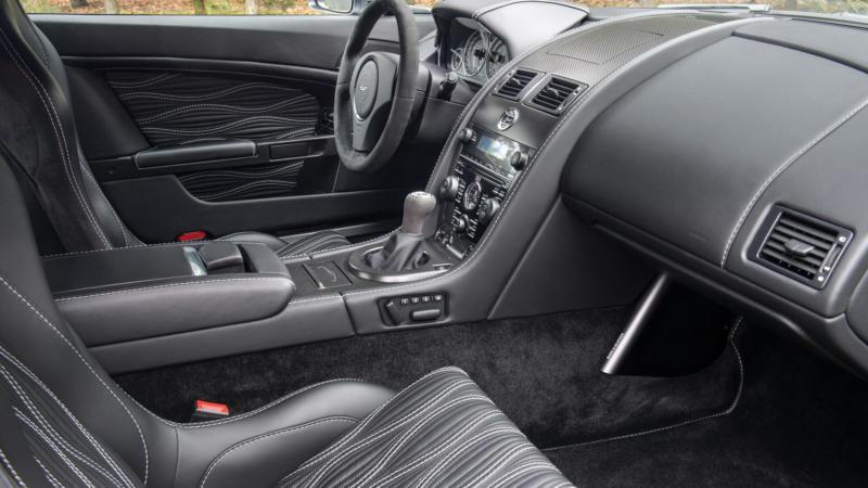 Интерьер Aston Martin V12 Zagato