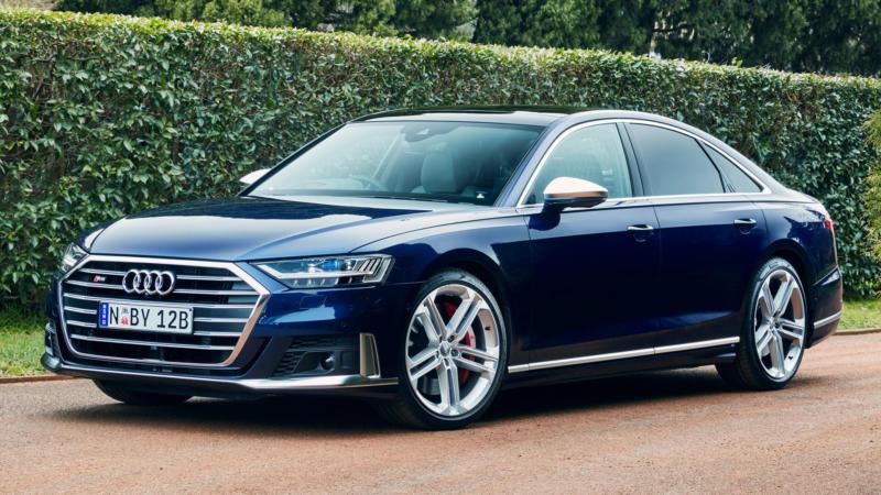 Фотография Audi S8